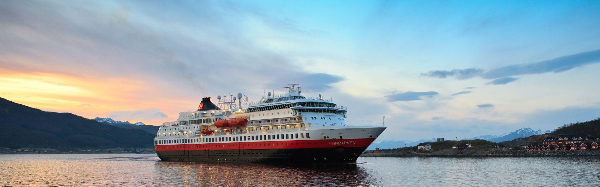 Croaziera 2017 - Scandinavia si Fiordurile Norvegiene (Kirkenes) - Hurtigruten - MS Finnmarken - 5 nopti