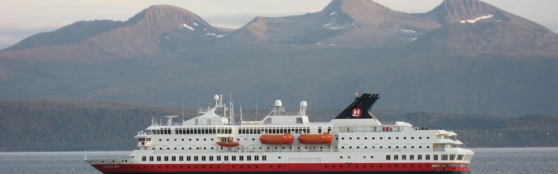 Croaziera 2017 - Scandinavia si Fiordurile Norvegiene (Kirkenes) - Hurtigruten - MS Nordkapp - 5 nopti