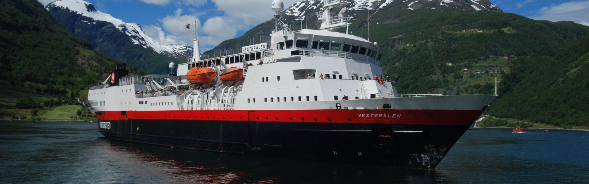 Croaziera 2017 - Scandinavia si Fiordurile Norvegiene (Kirkenes) - Hurtigruten - MS Vesteralen - 5 nopti