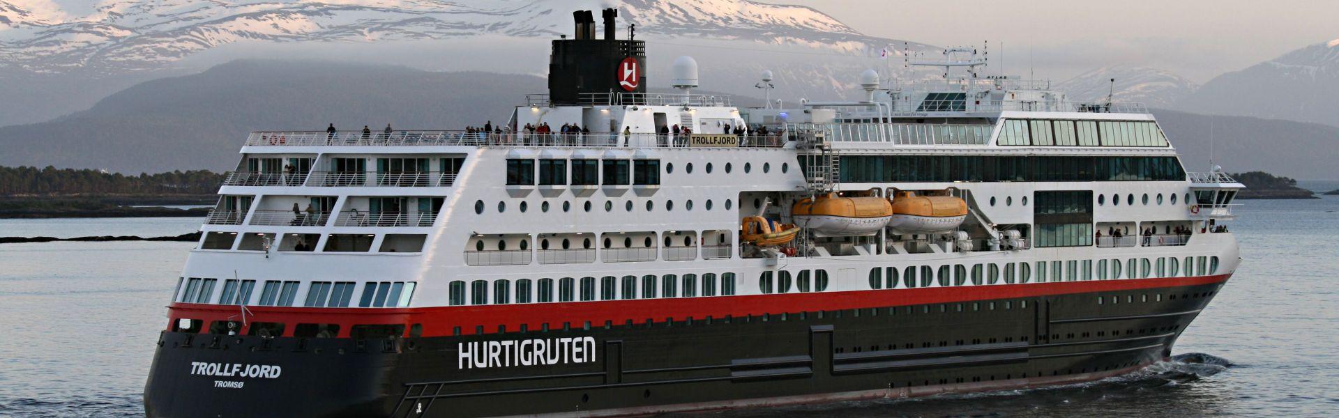 Croaziera 2017 - Scandinavia si Fiordurile Norvegiene (Kirkenes) - Hurtigruten - MS Trollfjord - 5 nopti