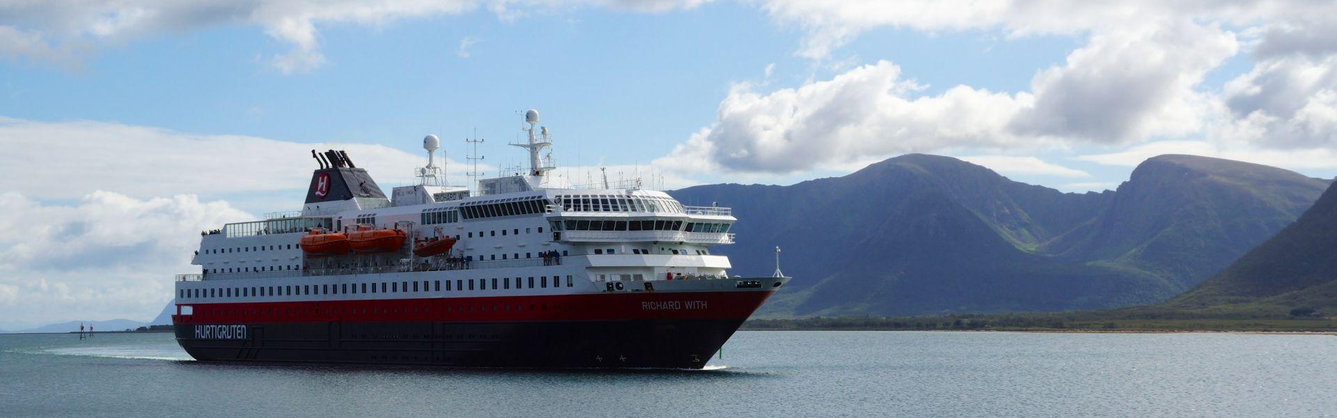 Croaziera 2017 - Scandinavia si Fiordurile Norvegiene (Kirkenes) - Hurtigruten - MS Richard With - 5 nopti