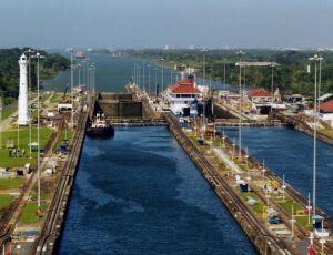 Canalul Panama si America Centrala