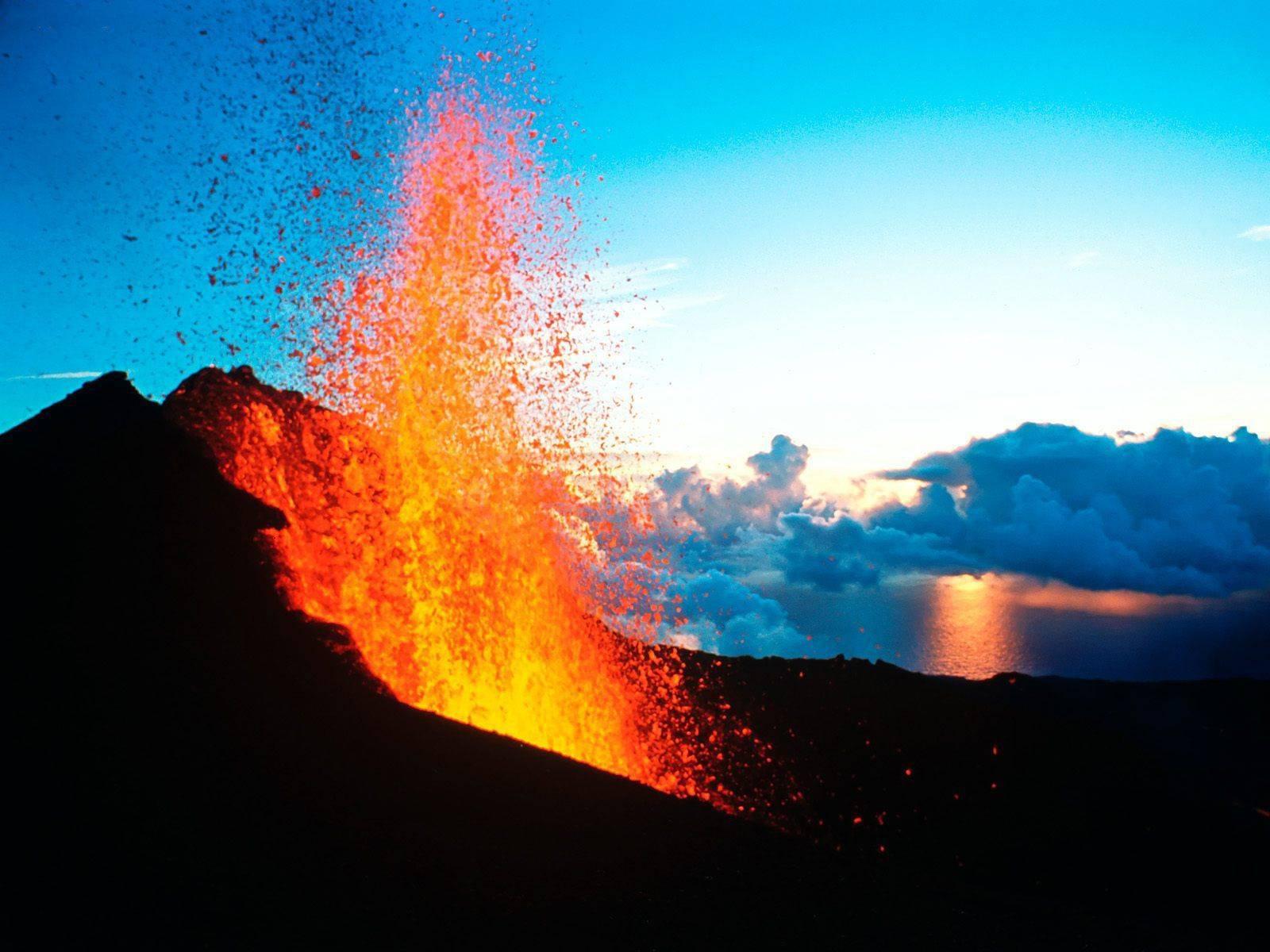 Piton_de_la_Fournaise_Reunion_Island