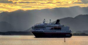 Croaziera 2020/2021 - Scandinavia si Fiordurile Norvegiene (Kirkenes) - Hurtigruten - MS Nordkapp - 5 nopti
